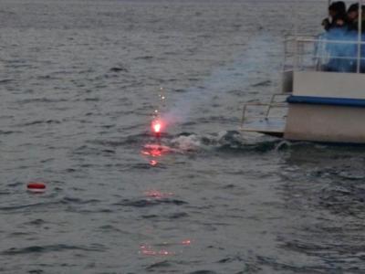 Дайвер прогулялся с горящим олимпийским факелом по дну Байкала